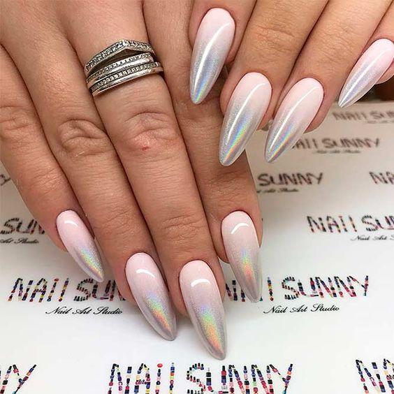 модные тенденции плавленное золото в маникюре 2019-2020 колечки на ногтях