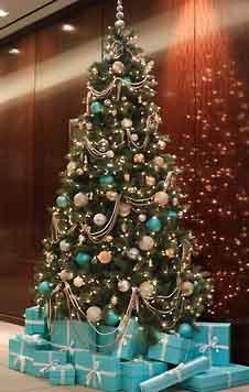 новогодняя елка 2020 декор бело-голубой