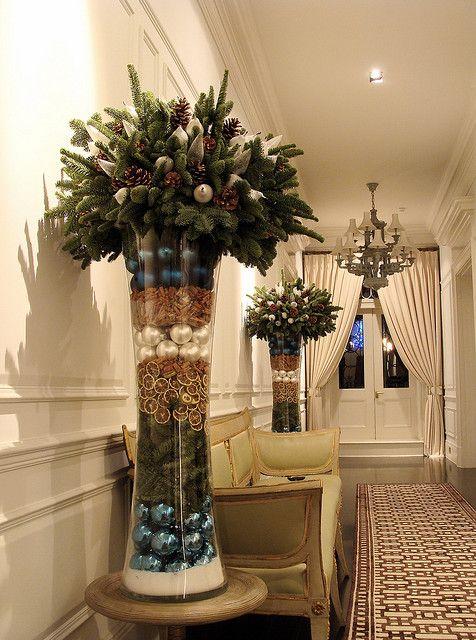 новогодний декор ветками елок